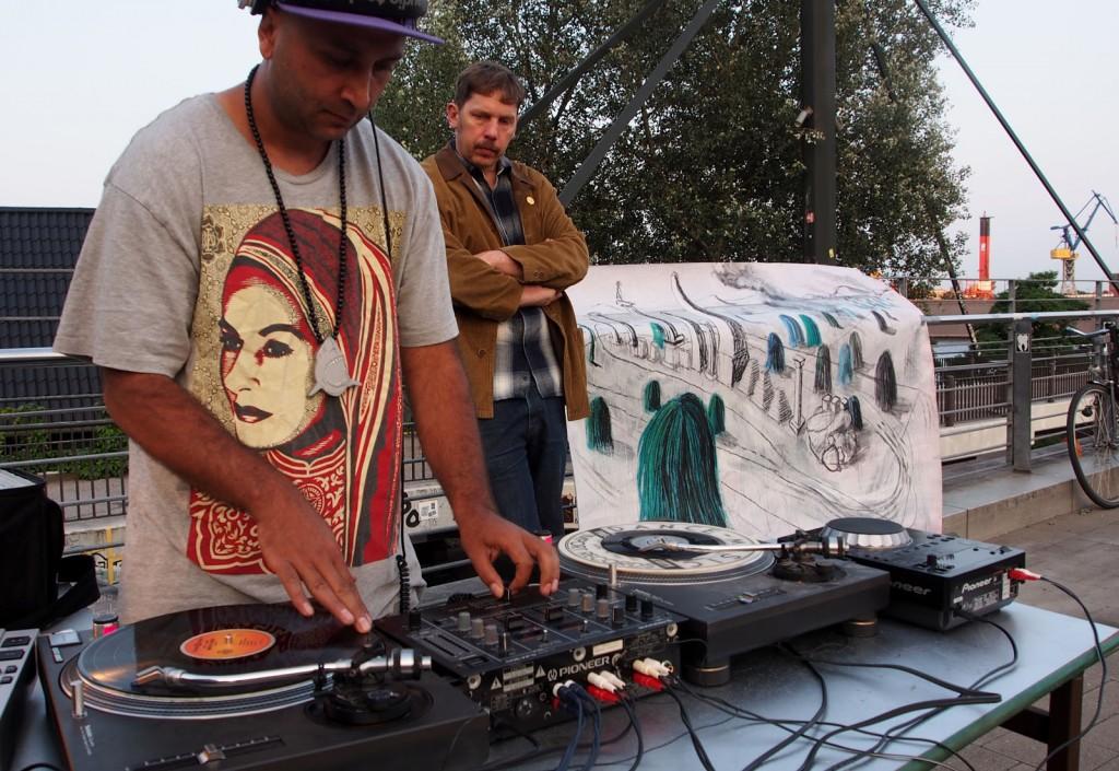 DJ Erkan und Nika Riots